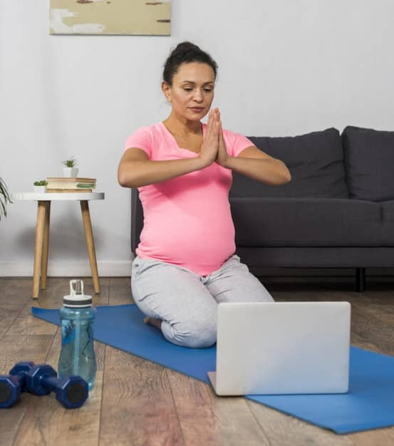Realiza algunos de los ejercicios de respiración y meditación propuestos en la pestaña Herramientas de nuestra página web.